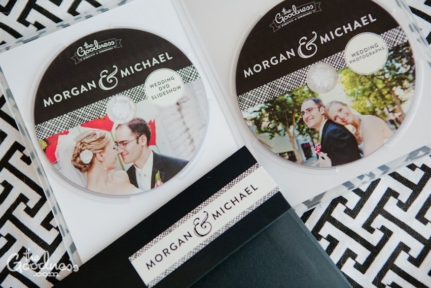 Mike and Morgans black and white modern wedding design The Goodness